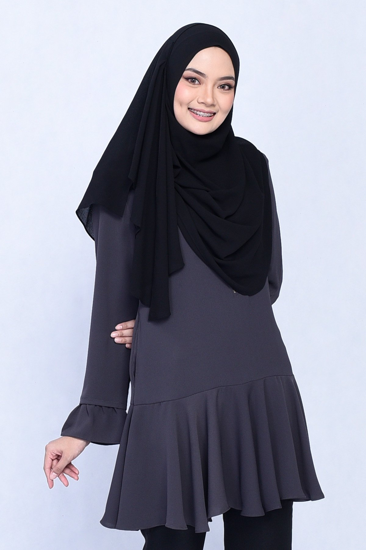 a82512cbf35 Blouse Gianni – Graphite Grey – MuslimahClothing.Com